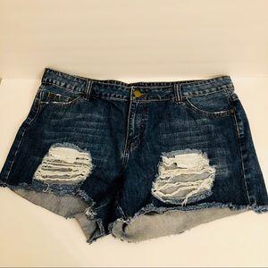 F21 plus size destroyed distress jean shorts 14